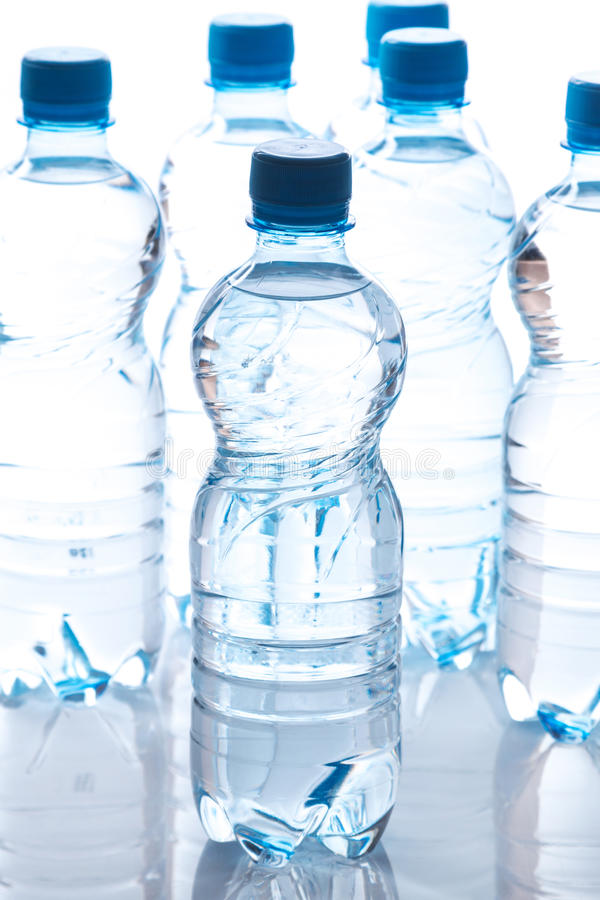 Botellas con agua fotografía de archivo