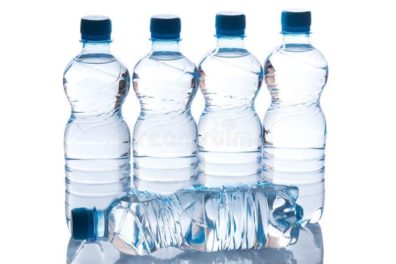 Botellas con agua fotografía de archivo libre de regalías