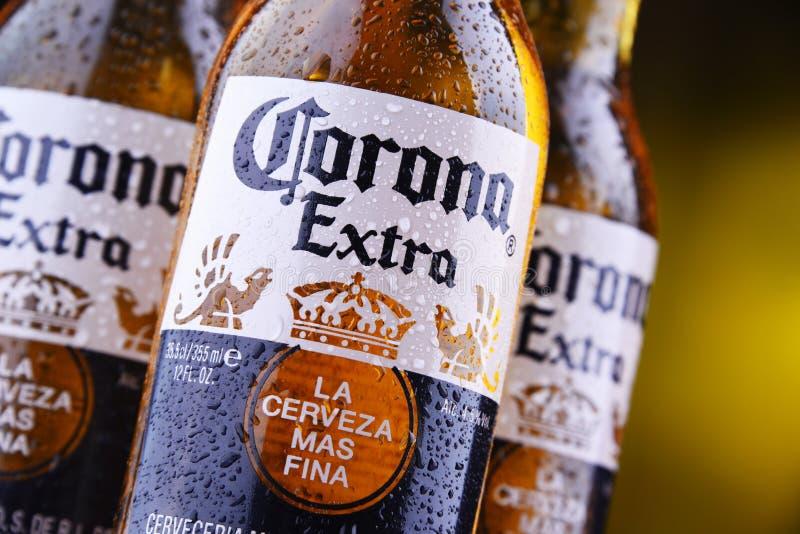 Botellas de cerveza de Corona Extra imagen de archivo libre de regalías
