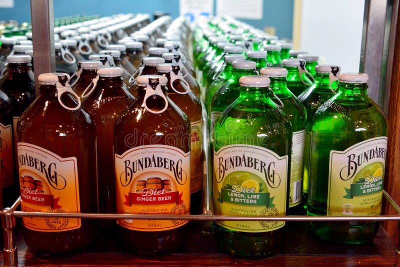 Botellas de cerveza de raíz de Bundaberg en refrigerador fotografía de archivo libre de regalías