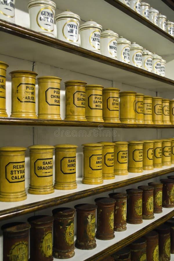 Botellas de la farmacia foto de archivo
