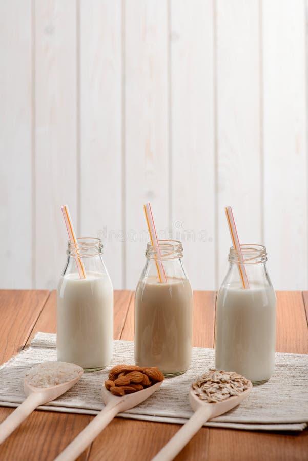 Botellas de leche sin lactosa imagenes de archivo