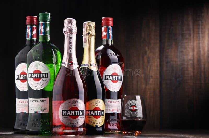 Botellas de Martini, vermú italiano famoso fotografía de archivo