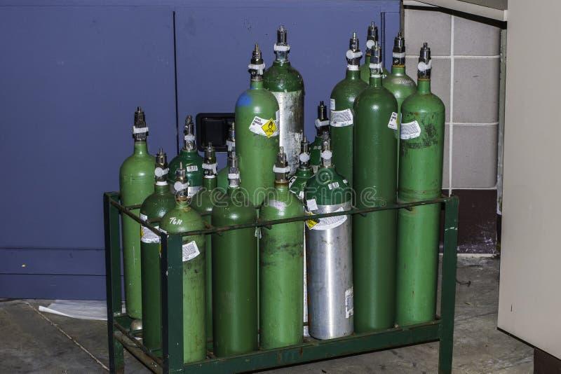Botellas de oxígeno imagenes de archivo