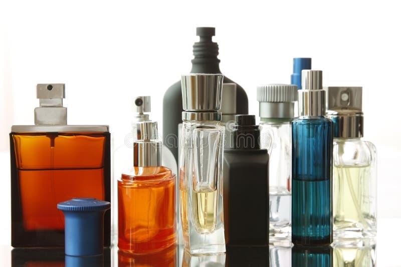 Botellas de perfume clasificadas foto de archivo libre de regalías