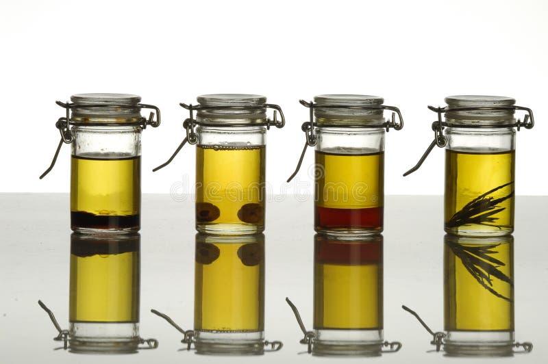 Botellas de petróleo aromático imagen de archivo