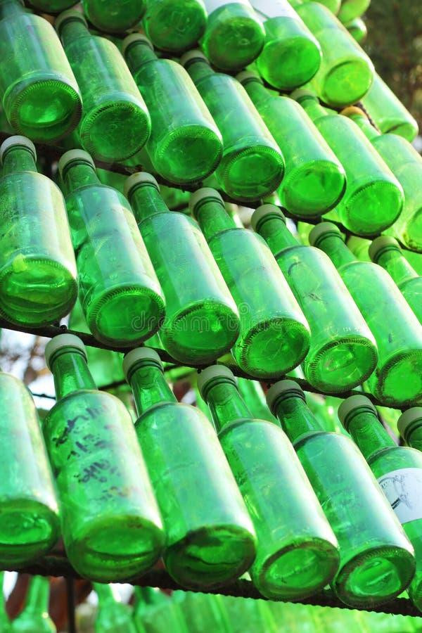 Botellas de Soju - alcohol verde de cerca. fotos de archivo