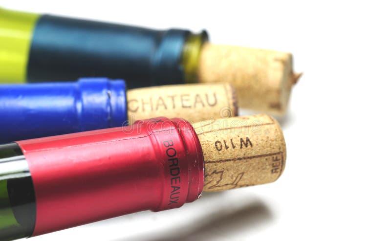 Botellas de vino vacías imagenes de archivo