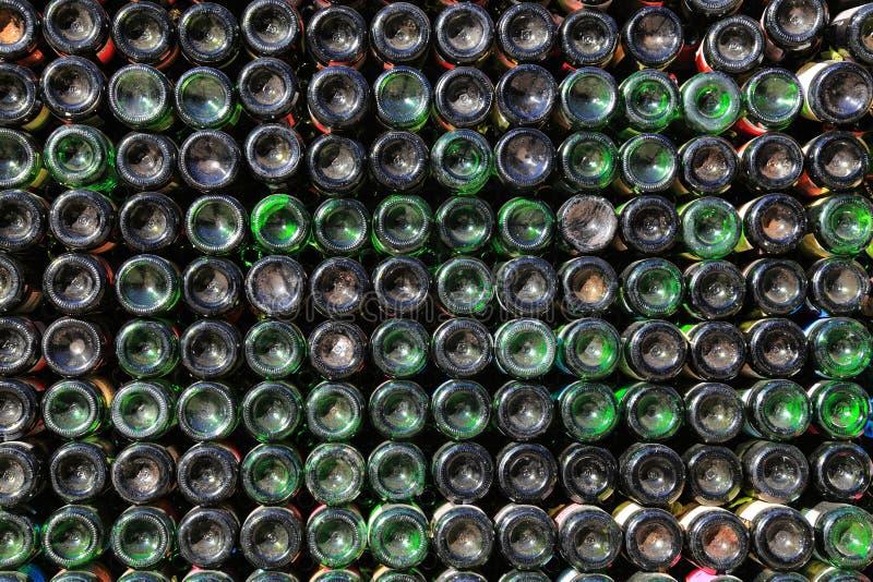 Botellas de vino viejas imágenes de archivo libres de regalías