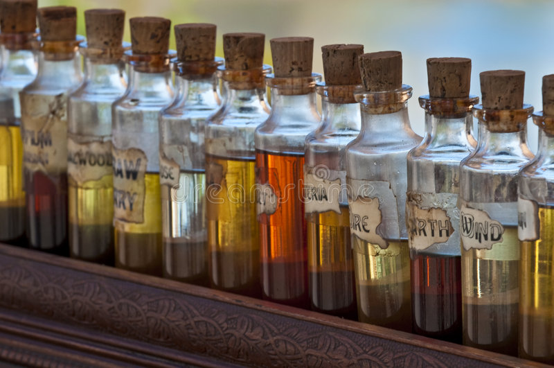 Botellas del aroma fotos de archivo