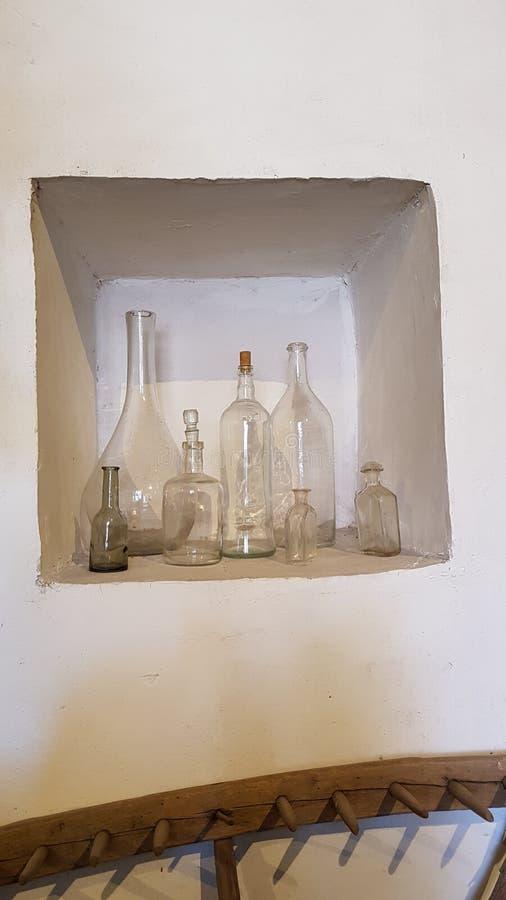 Botellas hechas a mano, Bulgaria vieja imagen de archivo libre de regalías