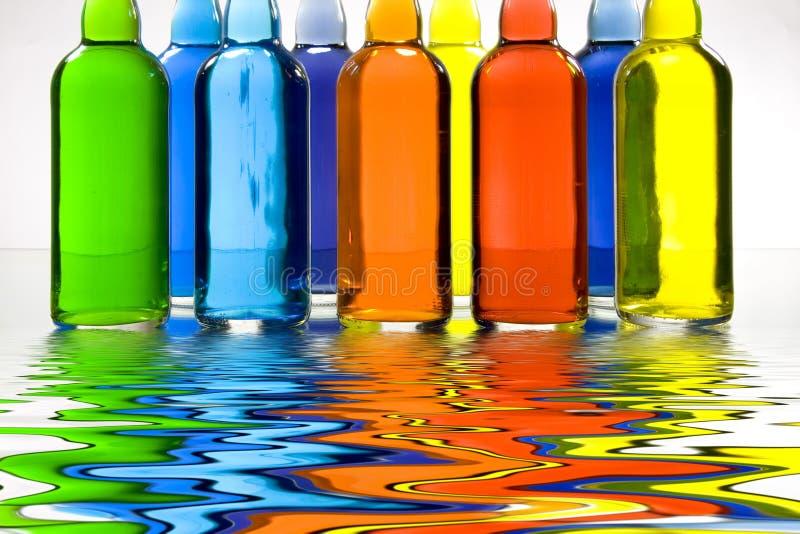 Botellas llenadas color stock de ilustración