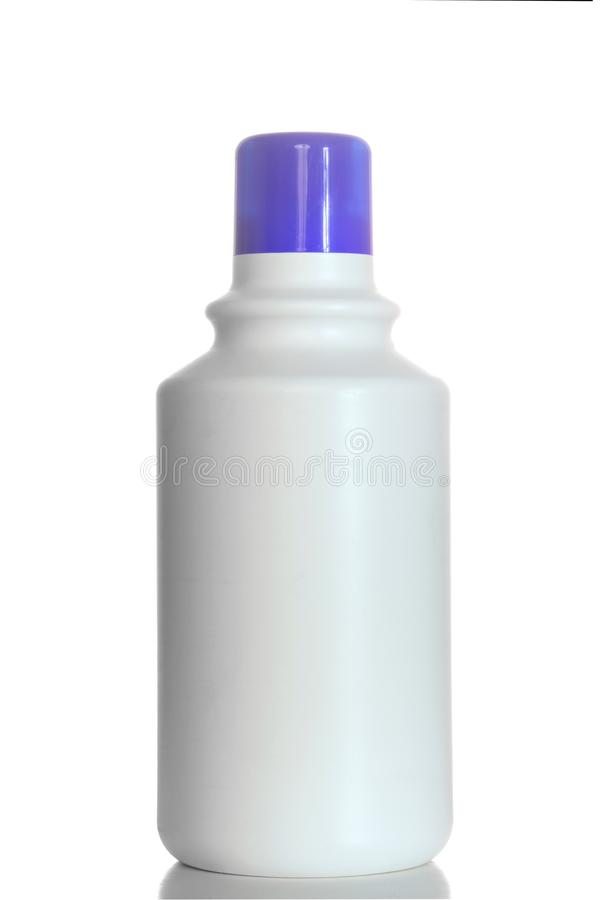 Botellas plásticas del jabón detergente aisladas en el fondo blanco foto de archivo libre de regalías