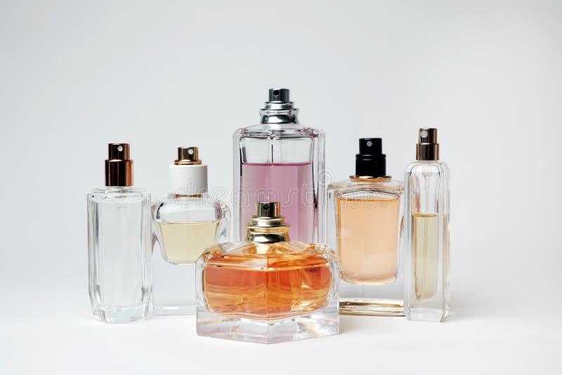 Botellas transparentes de perfume foto de archivo libre de regalías