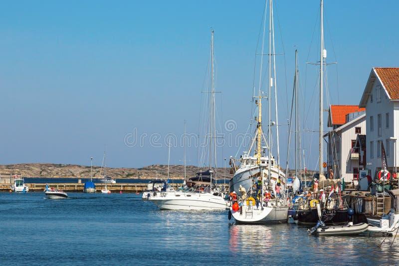 Boten bij de haven stock afbeeldingen