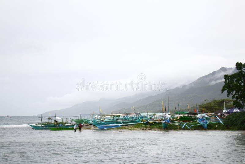 Boten bij kust stock foto