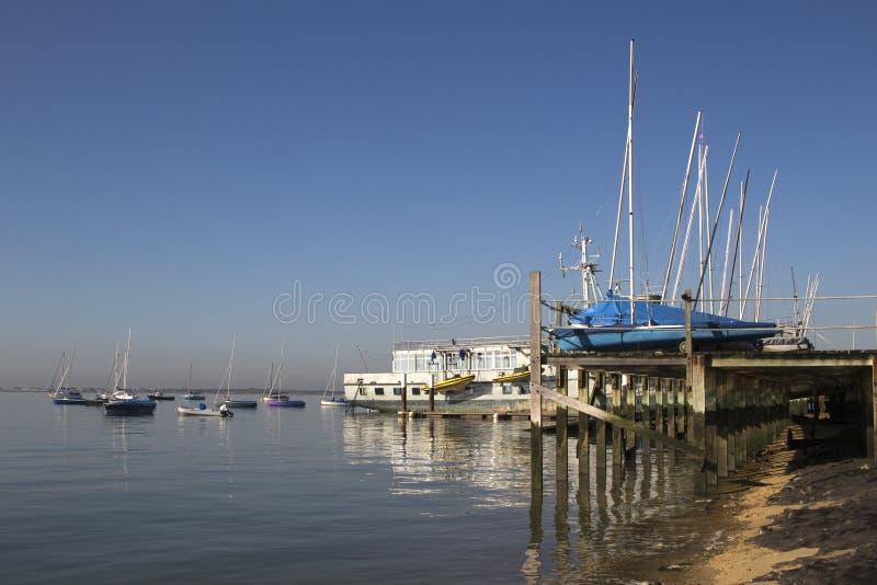 Boten bij Leigh-op-Overzees, Essex, Engeland royalty-vrije stock afbeelding