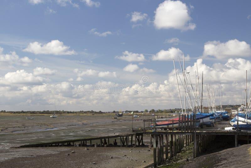 Boten bij Leigh-op-Overzees, Essex, Engeland stock foto