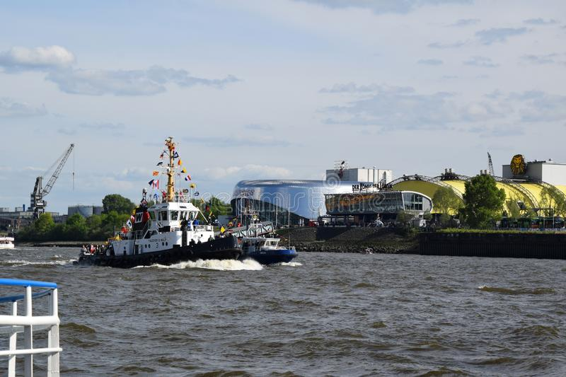 Boten bij St pauli-Landungsbrucken, Hafengeburtstag - de Viering van de Havenverjaardag royalty-vrije stock foto