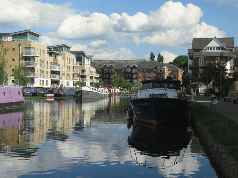 Boten in Brentford-Jachthaven, Londen, het UK stock foto