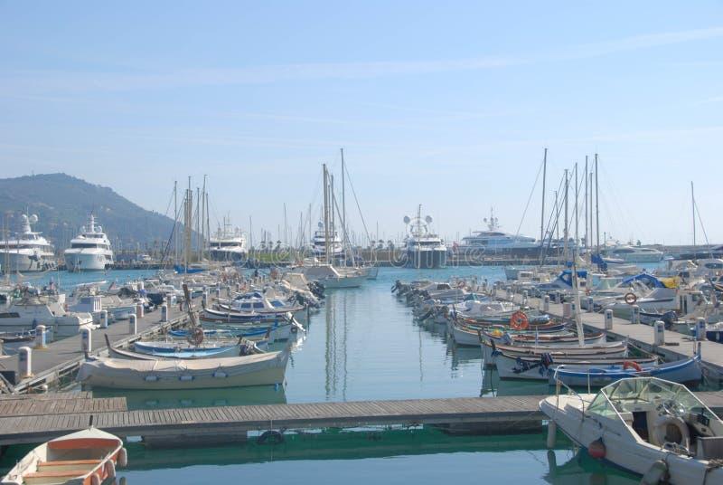 Boten in de haven royalty-vrije stock afbeelding