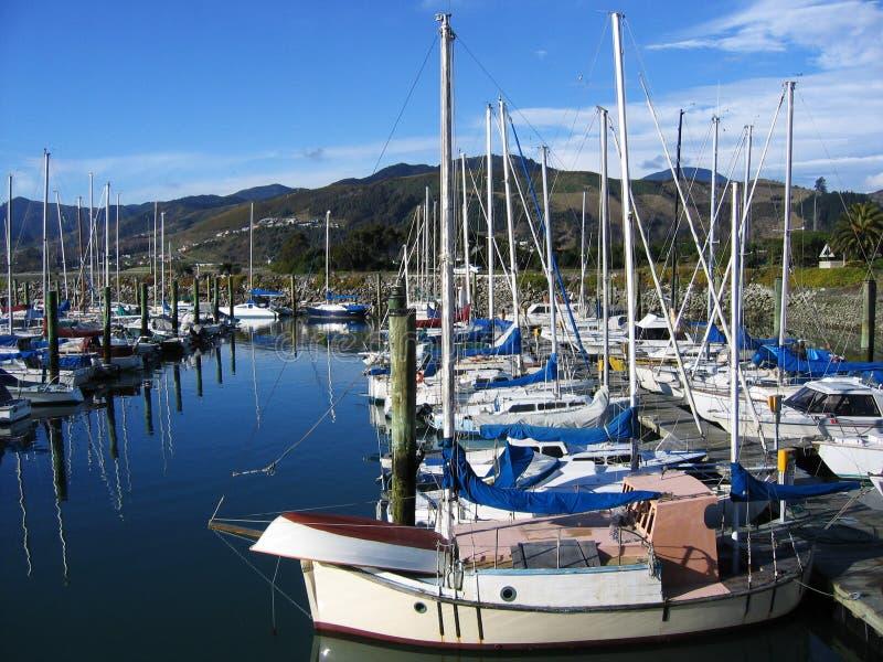 Boten in de haven stock afbeelding