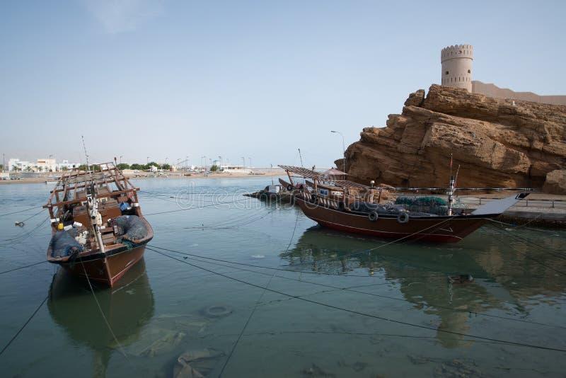 Boten in de haven van Sur royalty-vrije stock foto's