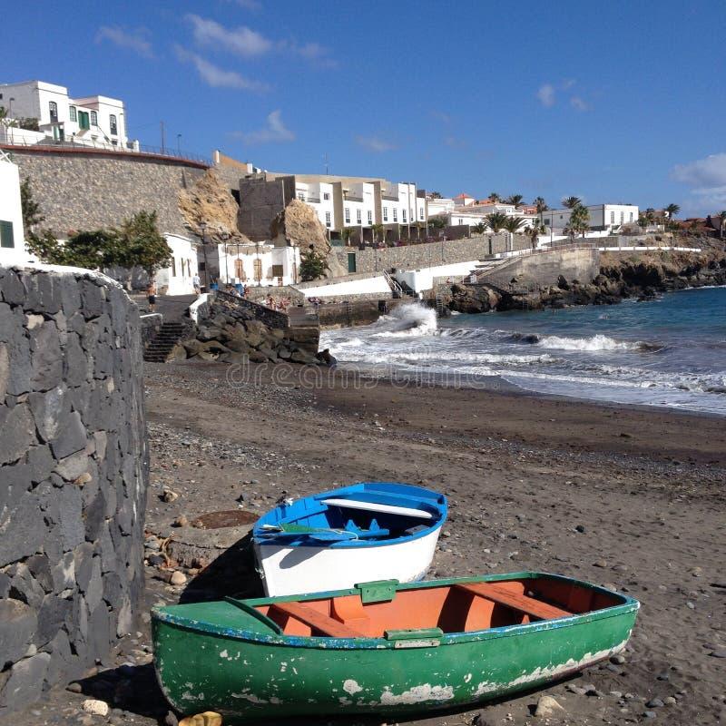 Boten en strand in Tenerife royalty-vrije stock afbeeldingen