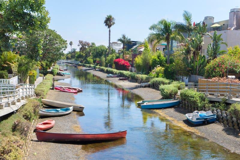 Boten in kanaal in Venetië, Los Angeles royalty-vrije stock afbeelding