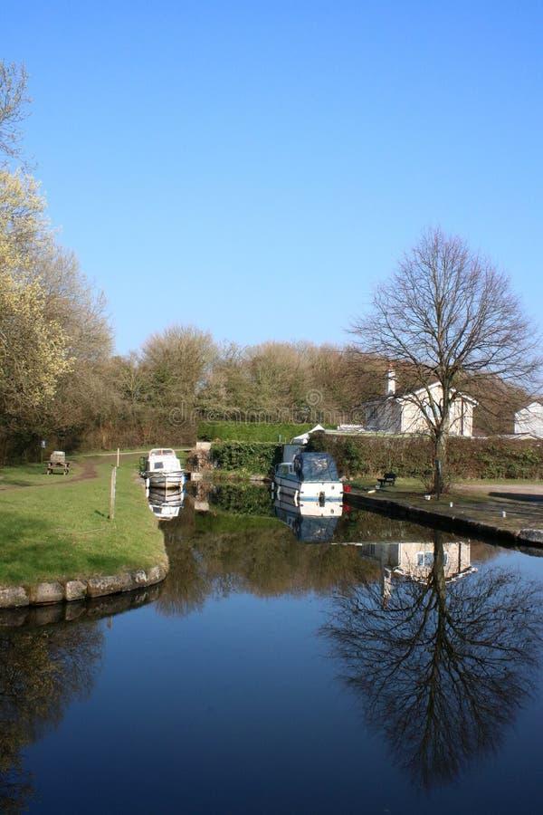 Boten op eind van het kanaal van Lancaster, Tewitfield stock afbeelding
