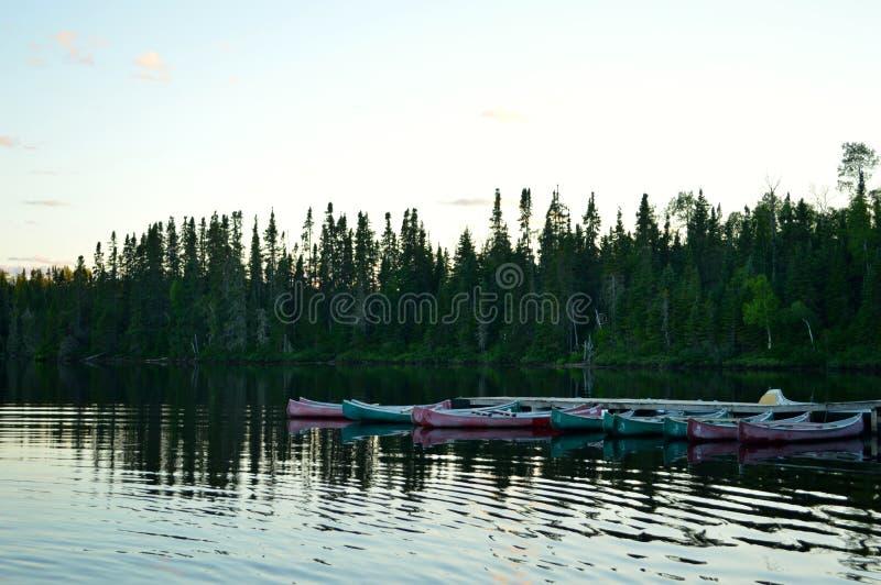 Boten op het meer stock foto