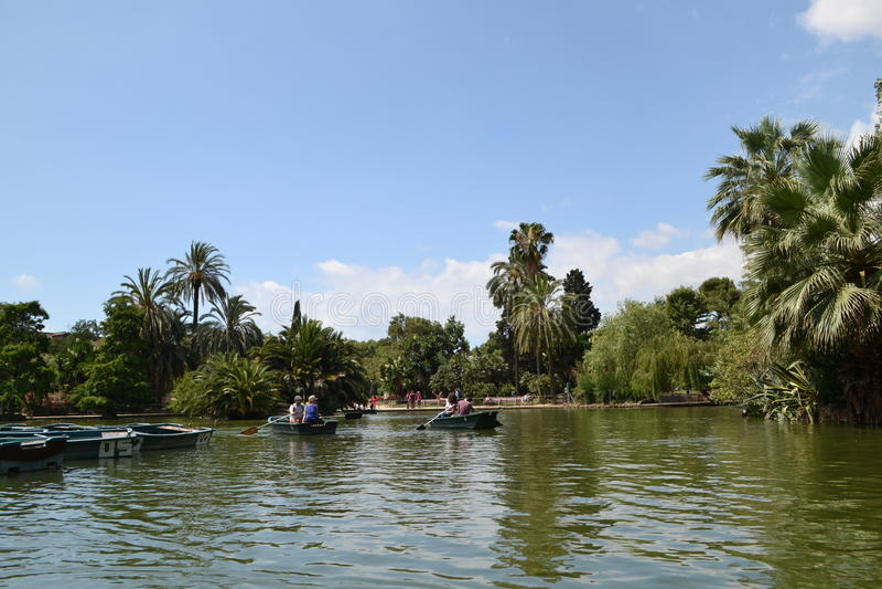 Boten op het meer, Barcelona royalty-vrije stock afbeeldingen