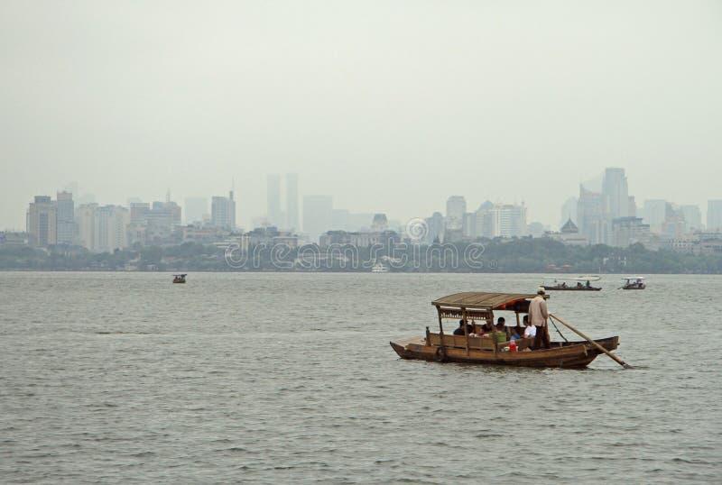 Boten op het Westenmeer in Hangzhou royalty-vrije stock foto