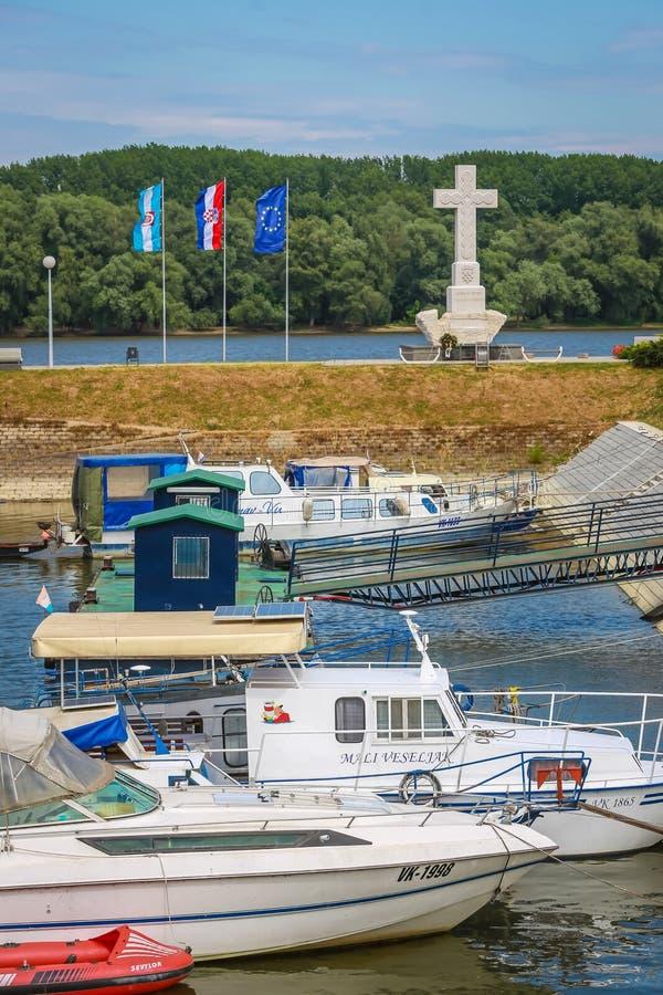 Boten in Vukovar worden vastgelegd die stock fotografie