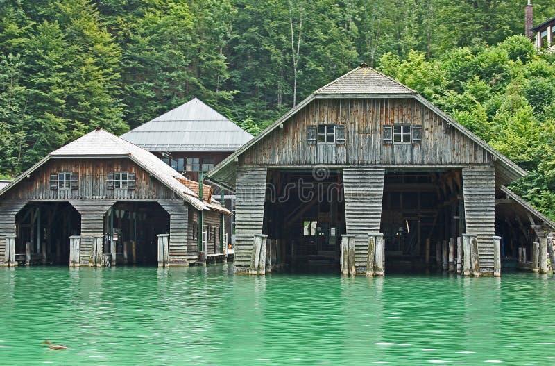 Botenhuizen bij het Koenigssee-meer dicht bij Berchtesgaden royalty-vrije stock afbeeldingen