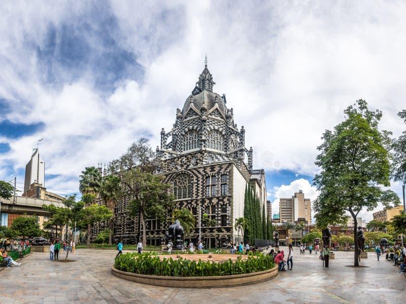 Botero fyrkant och slott av kultur - Medellin, Antioquia, Colombia royaltyfri foto