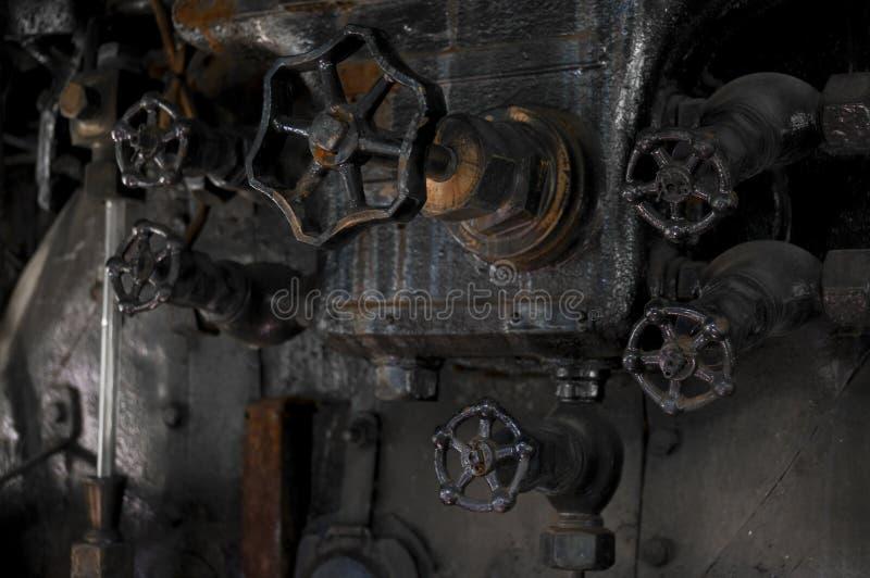 Botones antiguos del cocpit de la locomotora de vapor fotos de archivo