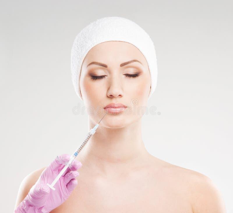 BOTOX® νεολαίες γυναικών διαδικασίας πορτρέτου στοκ εικόνες