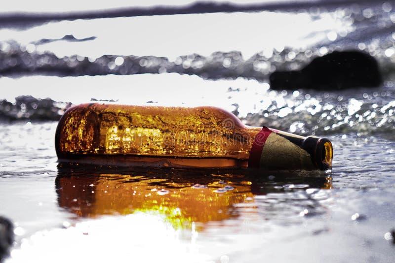Bottel da cerveja fotos de stock