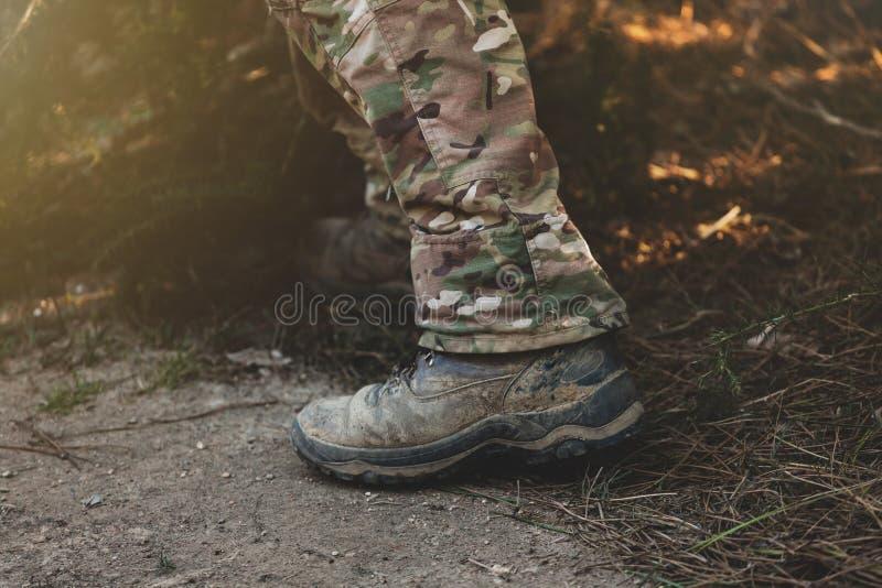 Bottes de militaires de Brown image stock
