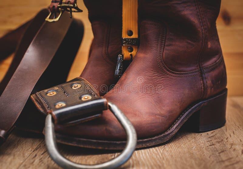 Bottes en cuir et ceinture photo libre de droits