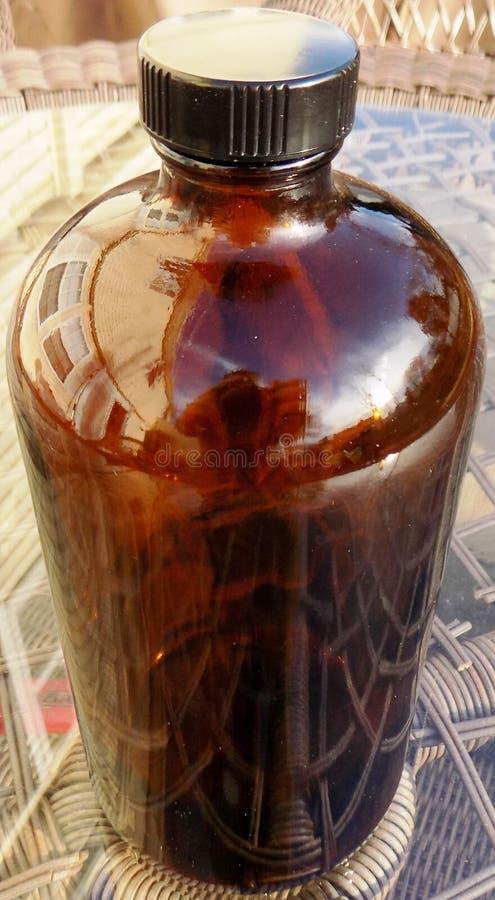 Bottiglia d'annata del farmacista immagine stock