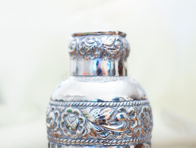 Bottiglia d'argento dei calici fotografie stock libere da diritti