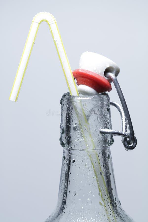 bottiglia della Lanciare-parte superiore fotografia stock libera da diritti