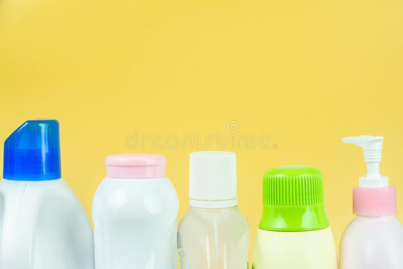Bottiglia della plastica del polietilene tereftalato fotografie stock