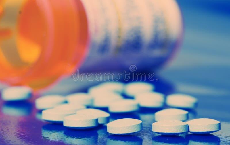 Bottiglia delle pillole fotografia stock libera da diritti
