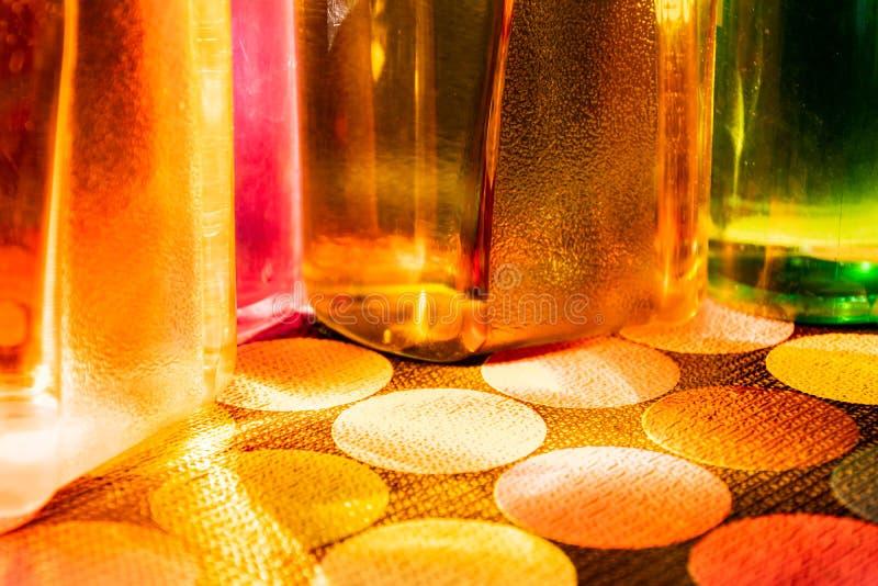 Bottiglia di acqua variopinta fotografia stock libera da diritti