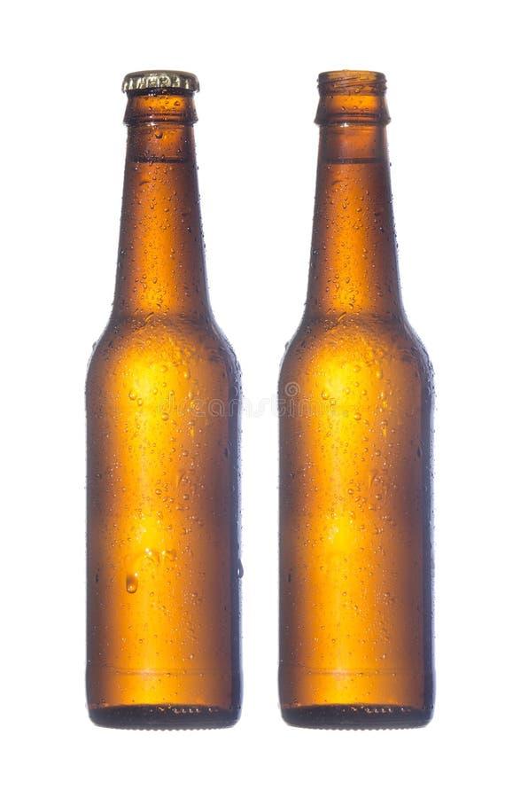 Bottiglia di birra aperta e chiusa fotografia stock libera da diritti
