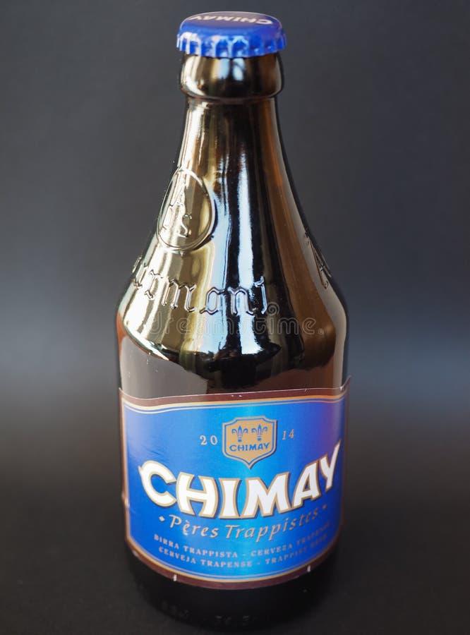 Bottiglia di birra del blu di Chimay immagine stock