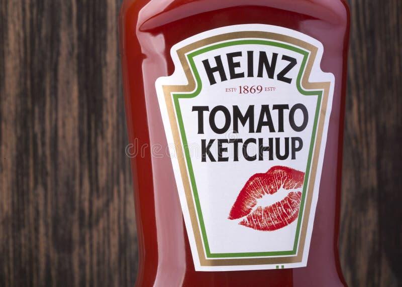 Bottiglia di Heinz Tomato Ketchup immagine stock